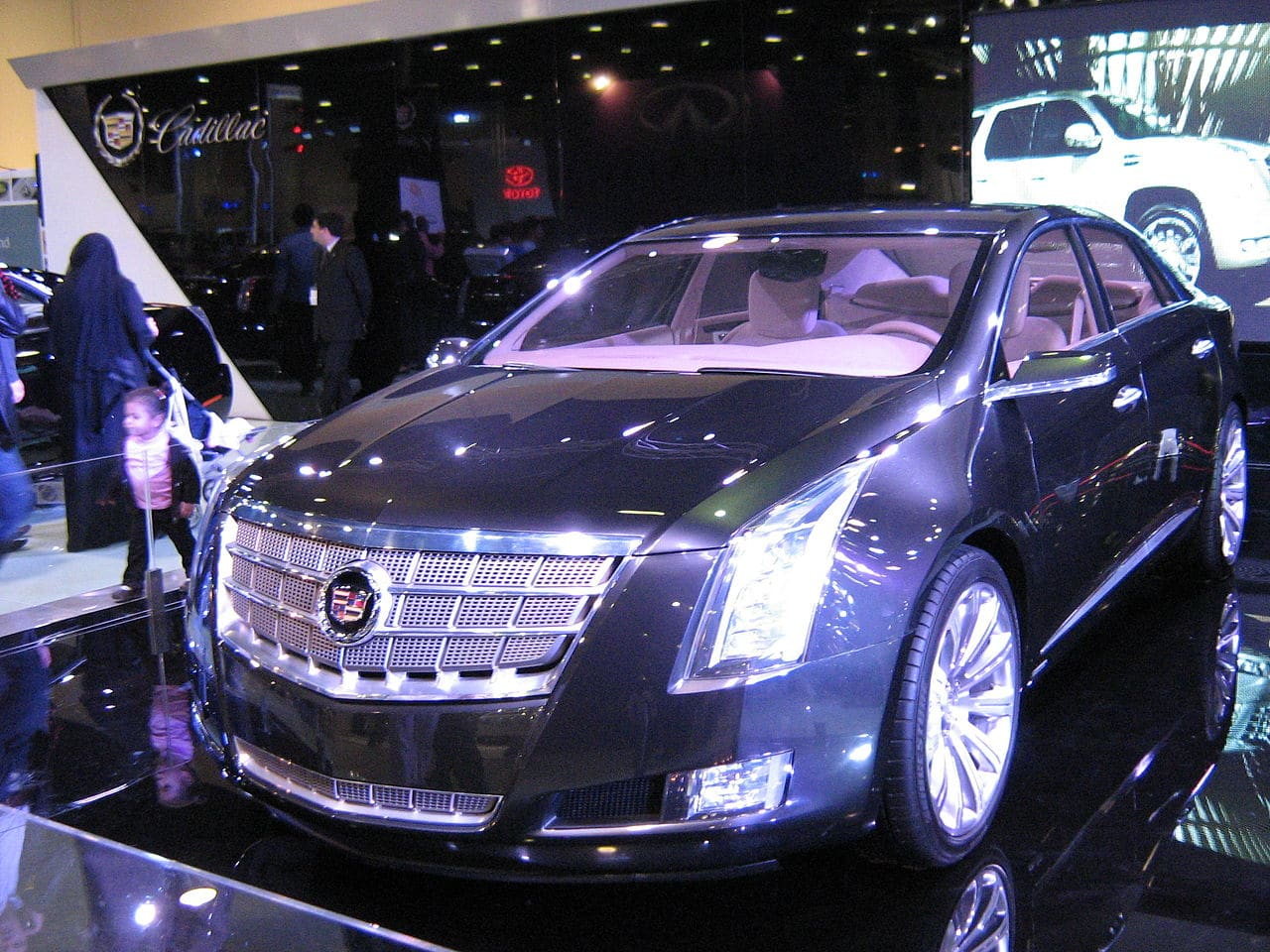 Cadillac XTS Auto Glass Repair & Replacement