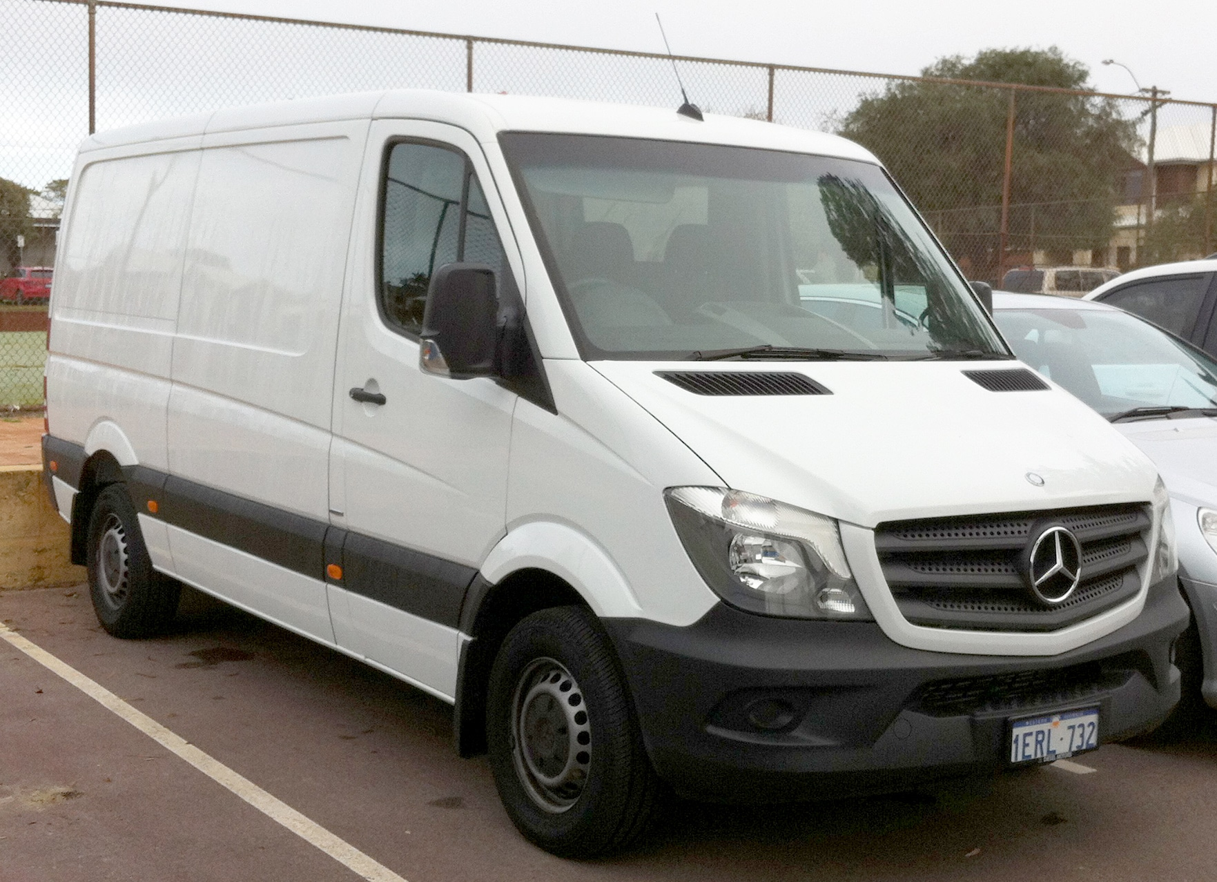 Auto Glass Repair and Replacement for Mercedes Sprinter