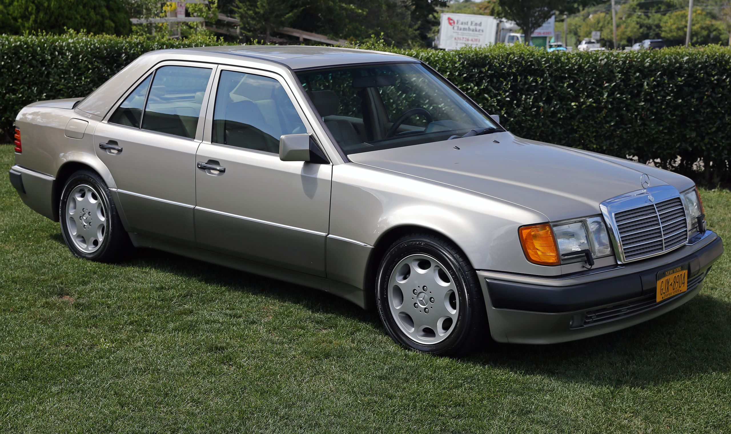 Mercedes 500 Windshield and Window Repair and Replacement Services