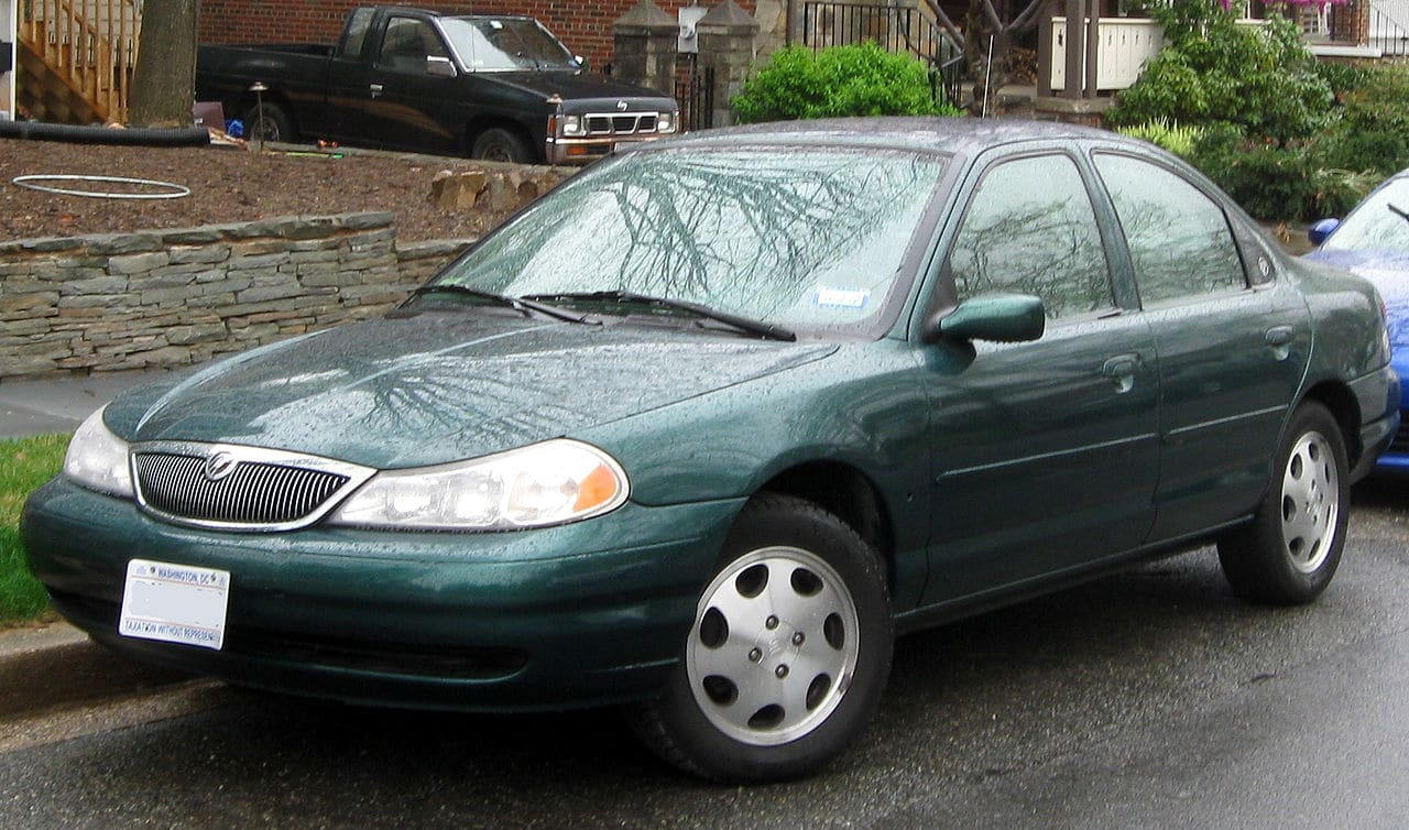 Auto Glass Repair for Mercury Mystique in Phoenix