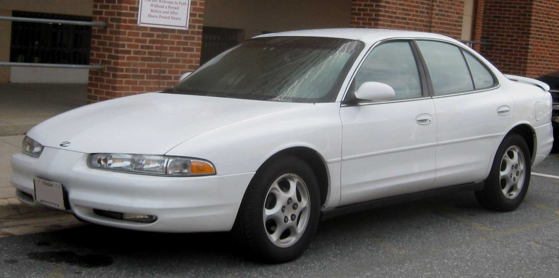 Auto Glass Repair and Replacement for Oldsmobile Intrigue
