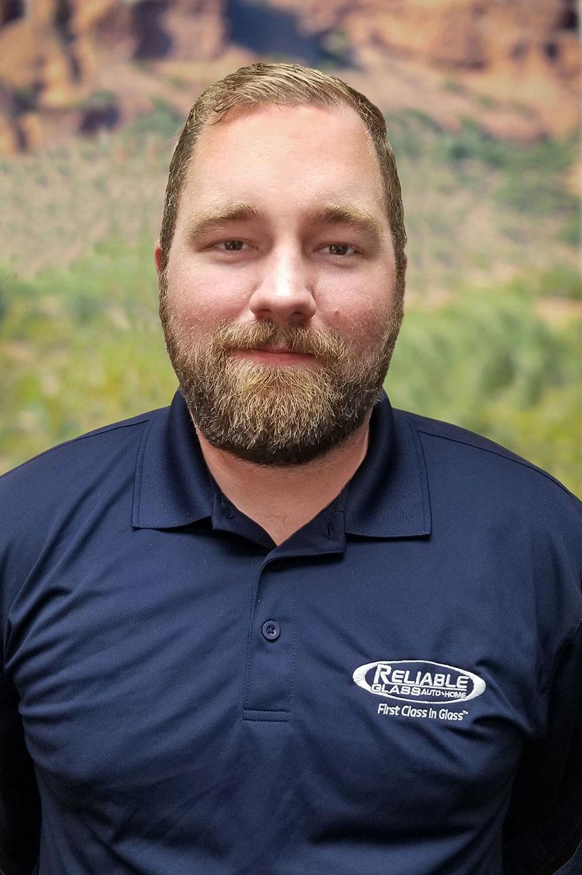 Wes Kollar - Reliable Glass Technician